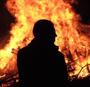 """Bonfire Night Silhouette"" - Ulleskelf @flickr.com (creative commons)"