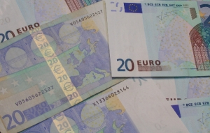 """""""Euro notes"""" - Christopher Elison @flickr.com (creative commons)"""