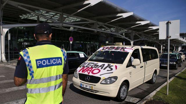 Varios-Lisboa-Portugal-plataforma-Uber_4858947.jpg