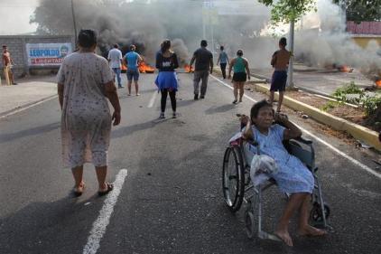 Durante o dia, o Povo Venezuelano sai às ruas para agradecer a solidariedade do socialismo. Foto: EFE,