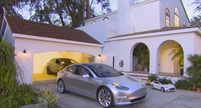 Tesla-Model-3-solar-roof-tile-tuscan